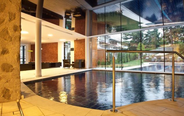 Cerchi un hotel a bressanone con piscina eccoloooo - Piscine con scivoli bressanone ...